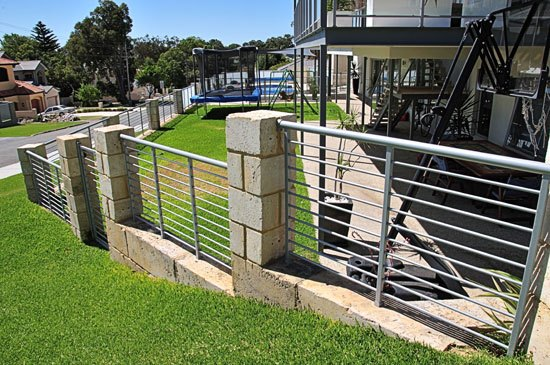 Custom fencing perth supplies installation fencemakers for Make your own fence