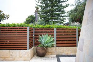 Screen fence with hedge